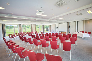 Seminar room Picasso Theater with screen | Hotel Bosei in Vienna