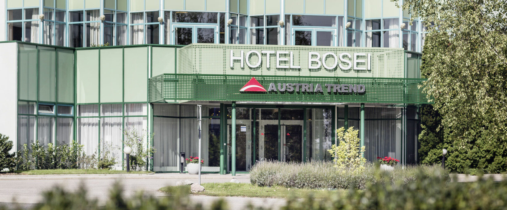 Entrance exterior view | Hotel Bosei in Vienna