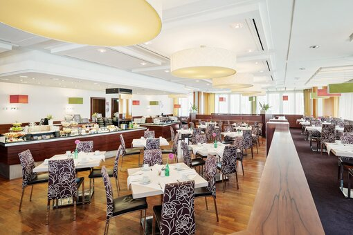 Restaurant Frida dining room with buffet| Hotel Europa Graz