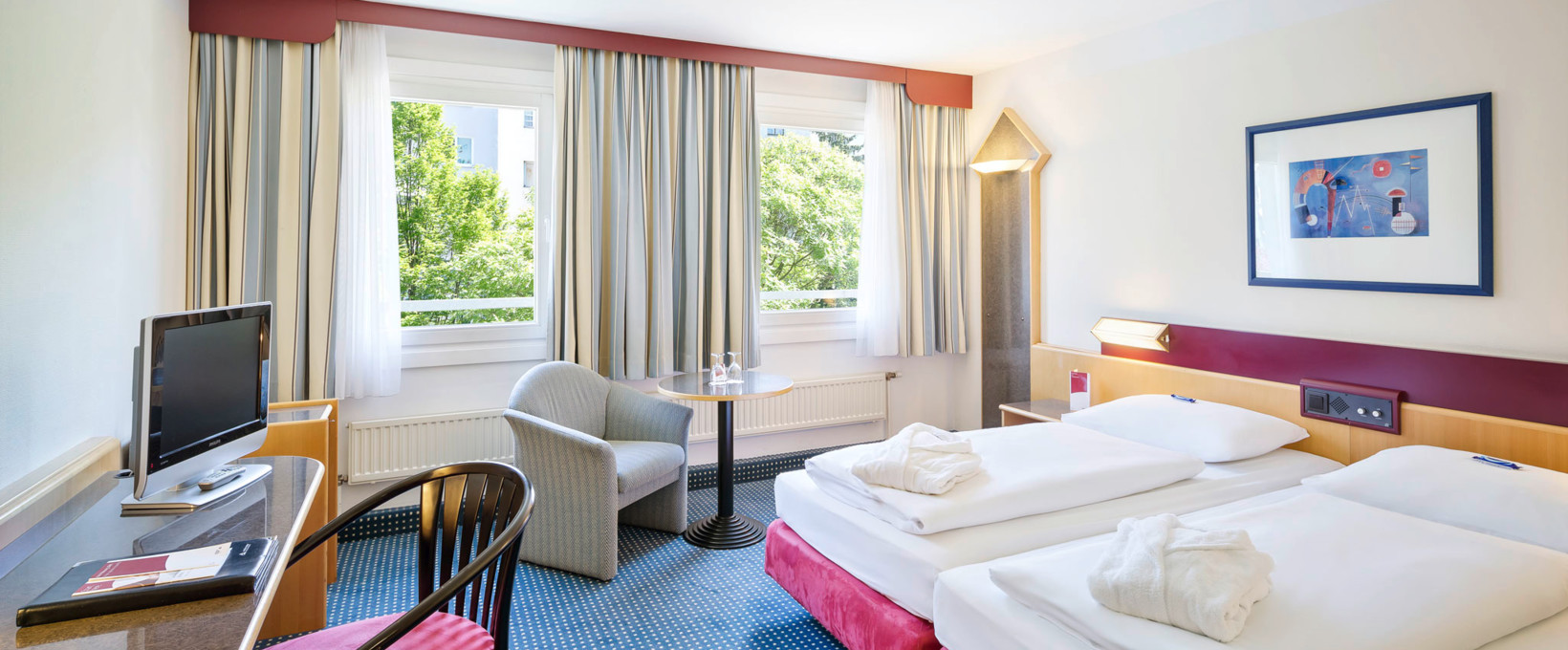 Executive Room with living and sleeping area | Hotel Lassalle in Vienna