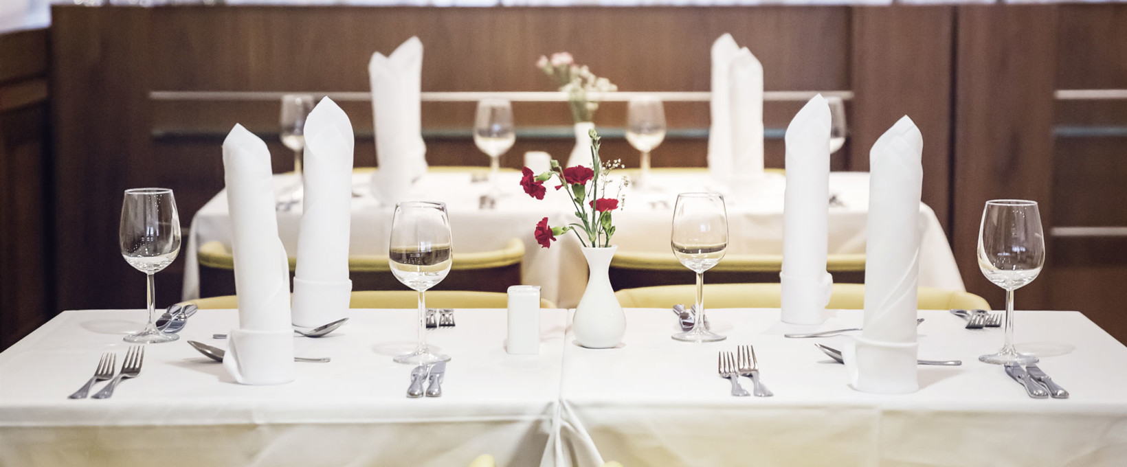 Restaurant with laid table | Hotel Ljubljana in Slovenia