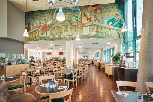 Breakfast restaurant with painting | Hotel Messe Prater Wien