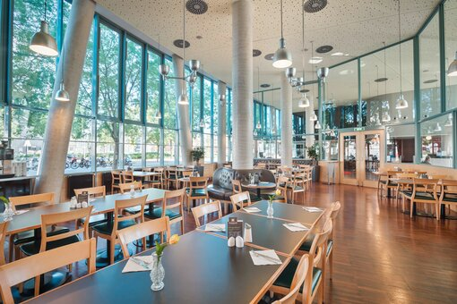 Restaurant with laid table  | Hotel Messe Prater Wien