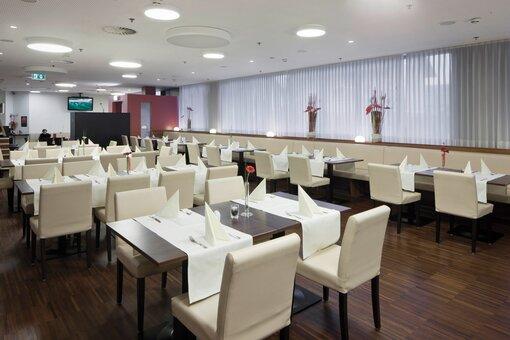 restaurant bar hotel salzburg west. Black Bedroom Furniture Sets. Home Design Ideas