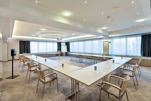 Seminar room Steyr  prepared with apple and drinks  | Hotel Schillerpark in Linz