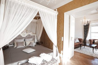 Master´s bedroom with poster bed | Schloss Schönbrunn Grand Suite in Vienna