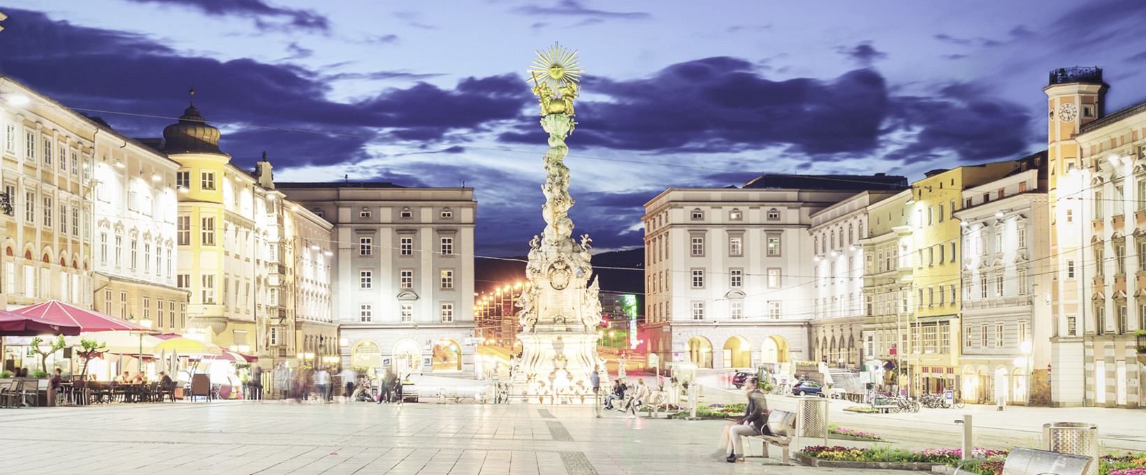 Central city with shops and restaurants | Linz