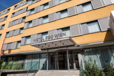 Exterior view hotel building entrance | Hotel Zoo Wien